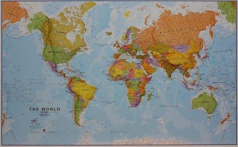 Wandkaart wereld staatkundig Engelstalig 195 × 120 cm op houten stokken