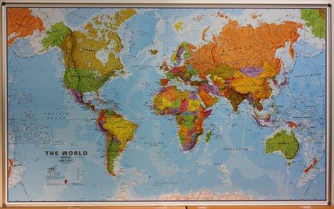 Prikbord wereld staatkundig Engelstalig 195 × 120 cm