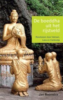 De boeddha uit het rijstveld