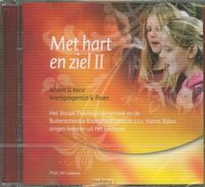 Het vocaal theologen ensemble en de buitenschoolse koorschool o.l.v. Hanna Rijken zingen liederen uit Liedboek