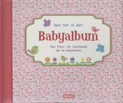 Daar ben ik dan babyalbum roze