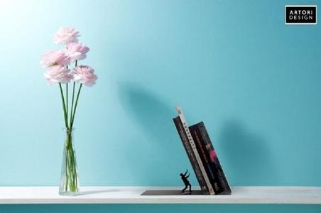 Falling Bookend Artori Design Boekensteun AD100