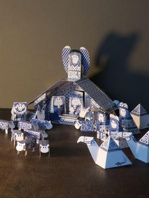 Kerststal Delftsblauw met een gouden randje Piet Design
