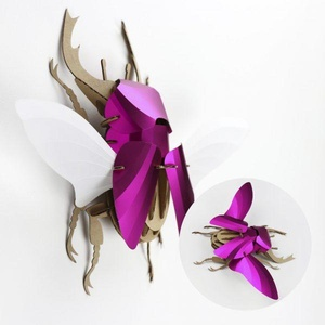 Vliegend Hert Fuchsia Roze Metallic Assembli
